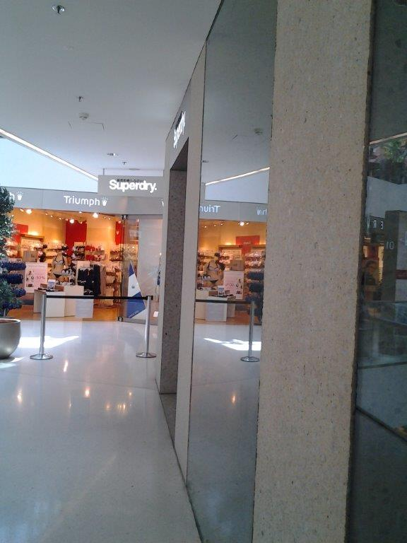Shopverglasung_12.37.31.jpg